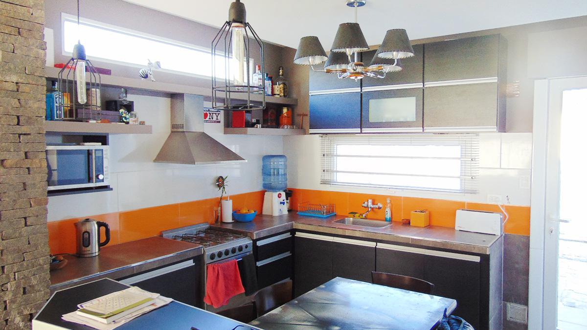 Foto Casa en Venta en  General Pico,  Maraco      Calle 1 e/ 36 y 38