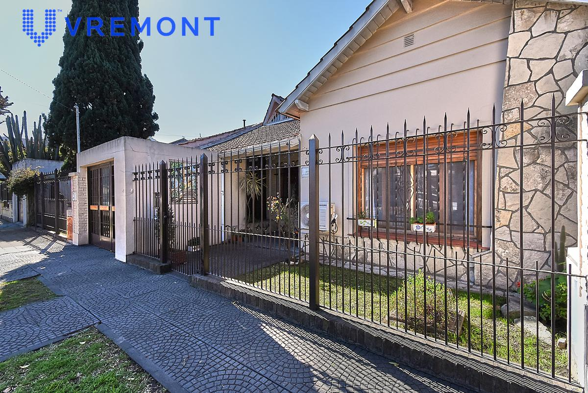 Foto Casa en Venta en  Villa Sarmiento,  Moron  Mariano  Escalada  2800