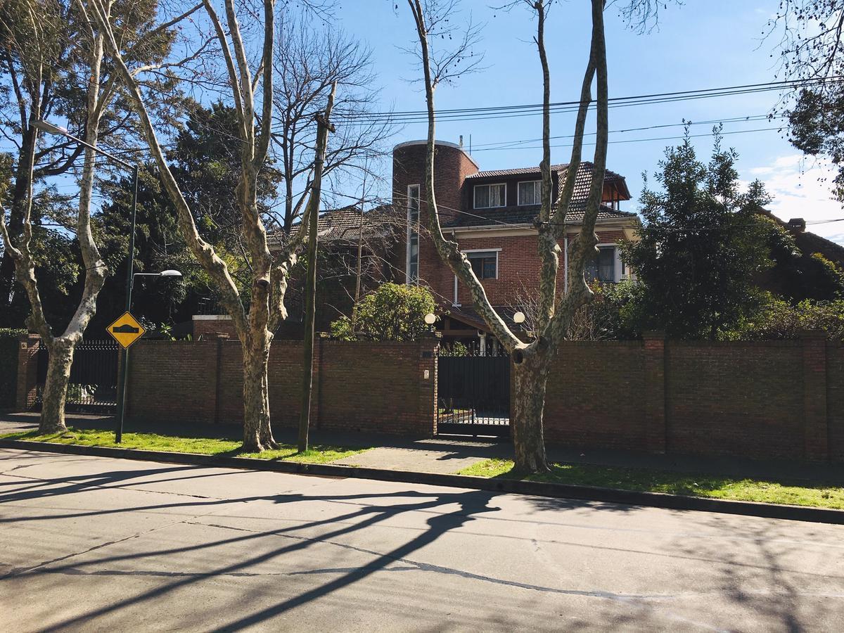 Foto Casa en Venta en  Mart.-Vias/Libert.,  Martinez  Gral Pacheco al 900