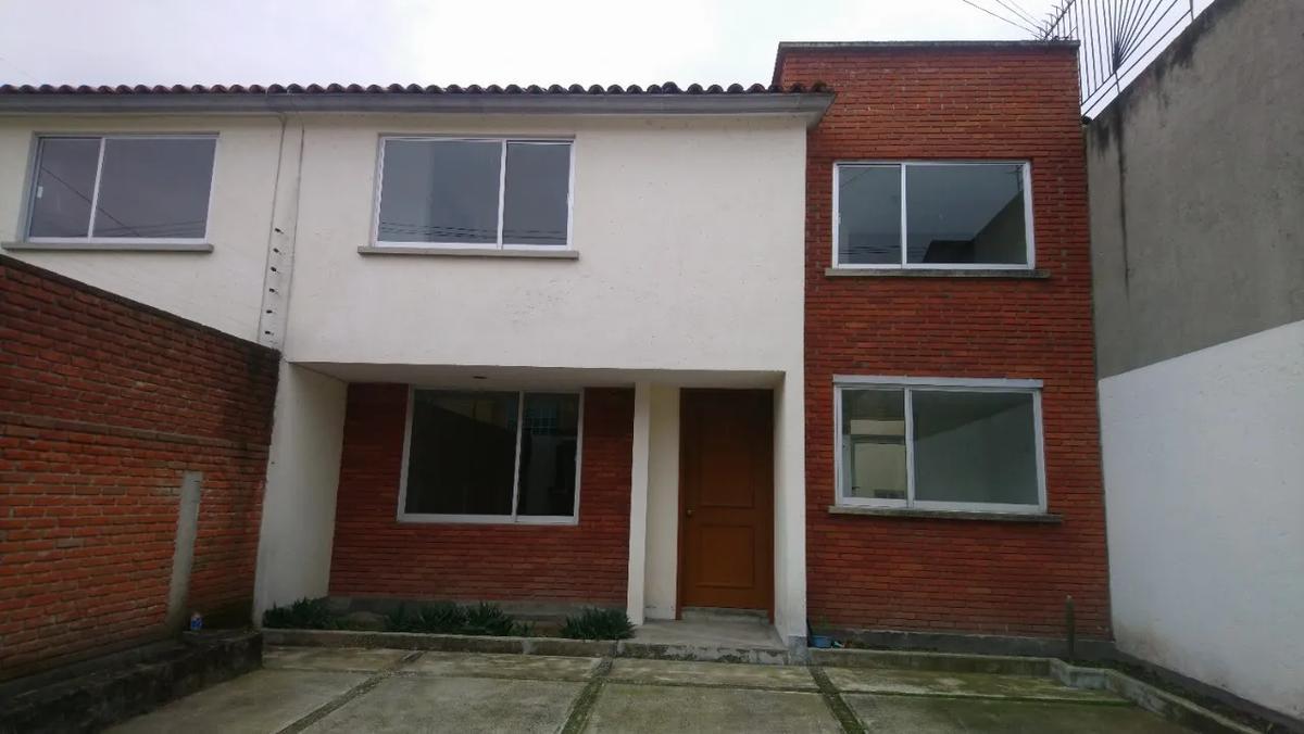 Foto Casa en Renta en  Santa Ana TlapaltitlAn,  Toluca  RENTA DE CASA PARA OFICINAS A UNA CUADRA DE TOLLOCAN