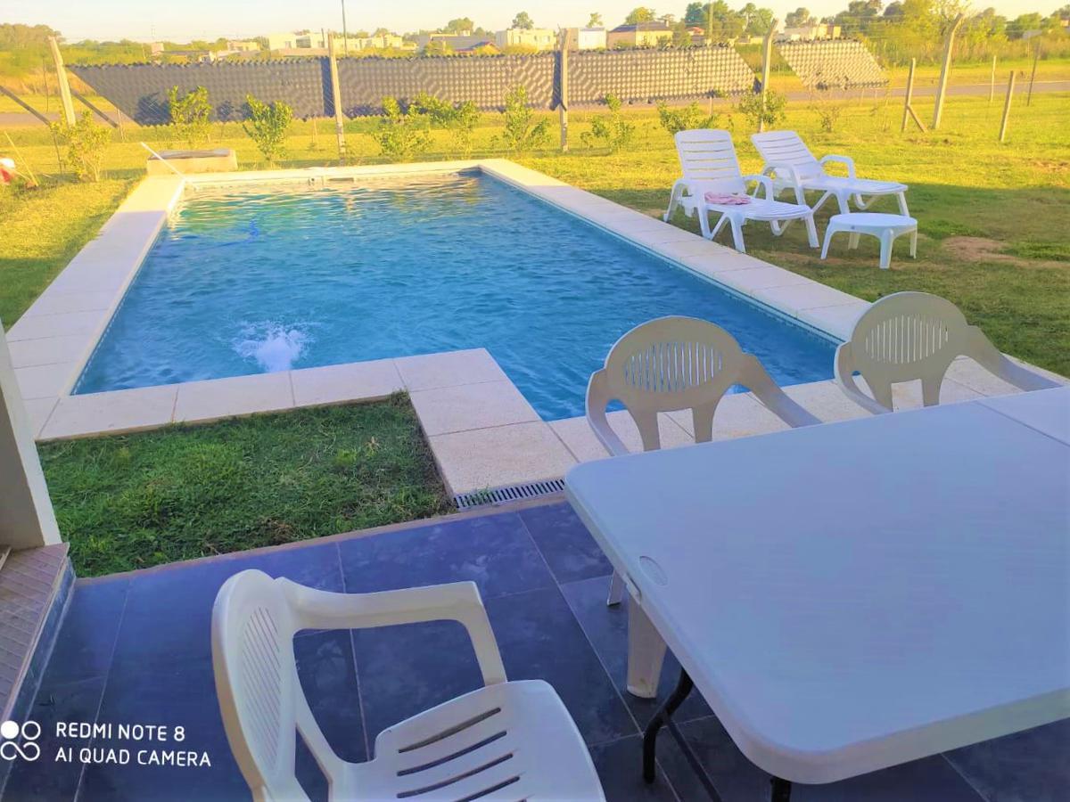 Foto Casa en Venta en  San Eduardo,  Pilar Del Este  San Eduardo al 2300