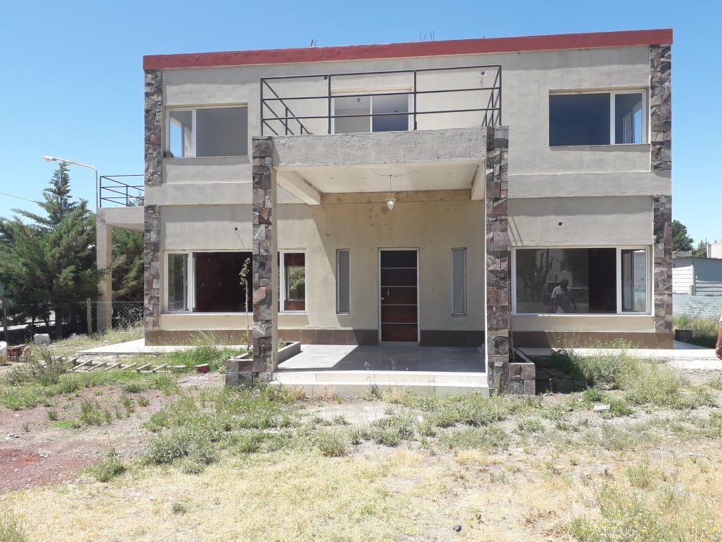 Foto Casa en Alquiler | Venta en  Capital ,  Neuquen  Barrio Privado Pueblo Sol