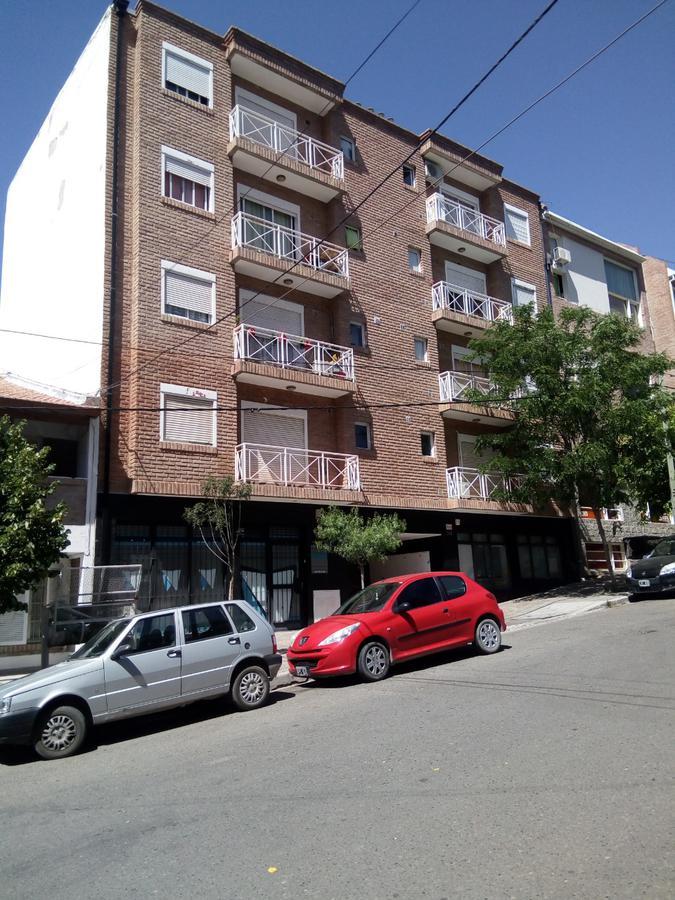 Foto Departamento en Venta en  Capital ,  Neuquen  CASTELLI al 200