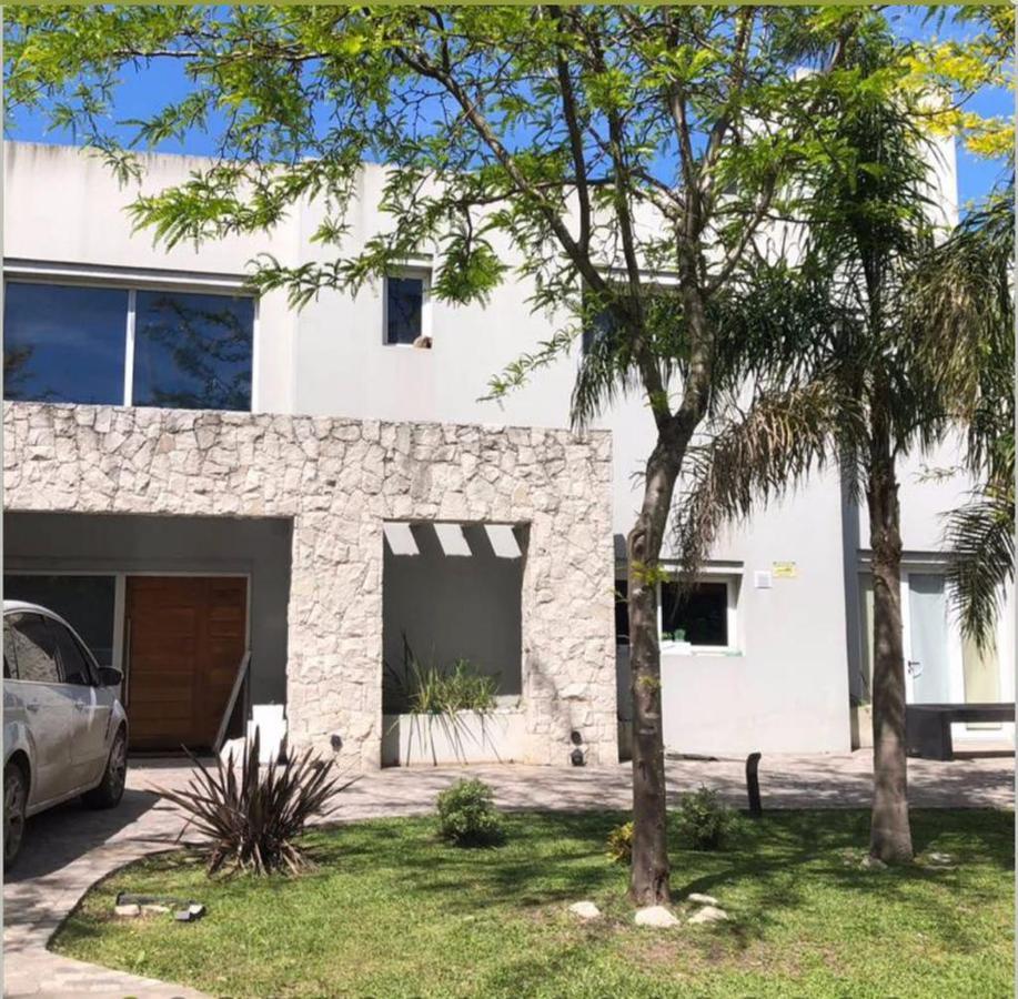 Foto Casa en Venta en  La Cesarina,  General Rodriguez  La Cesarina