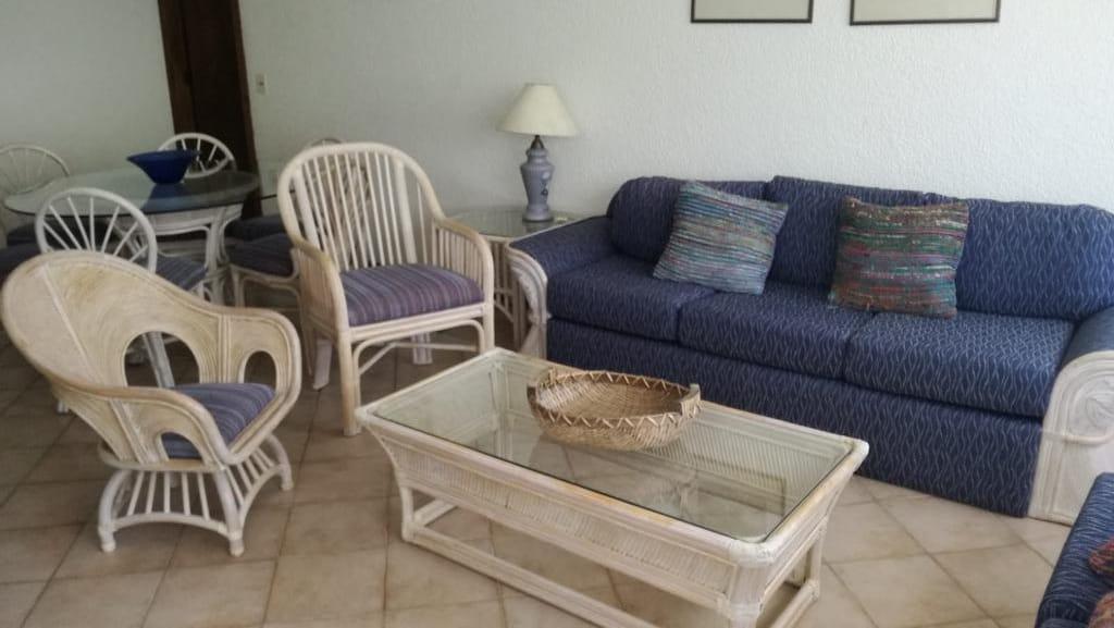 Foto Departamento en Venta | Alquiler temporario en  Playa Brava,  Punta del Este  Villa Giardino - De Las Rosas Y De Las Madreselvas