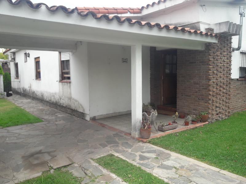 Foto Casa en Venta en  Barrio Parque Leloir,  Ituzaingo  DE LA NORIA al 1900