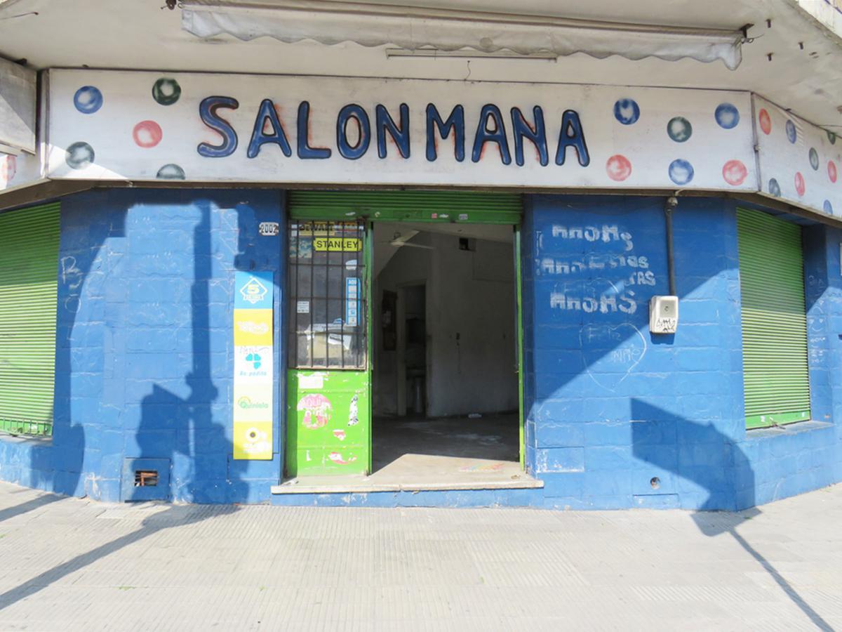 Foto Local en Venta en  La Comercial ,  Montevideo  Dr Juan José de Amezaga al 2000
