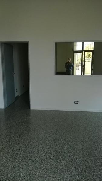 Foto Oficina en Alquiler en  Villa Regina,  General Roca  CASTELLI Y RODRIGUEZ PEÑA
