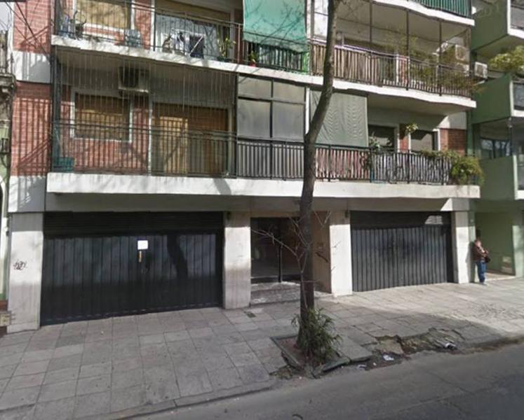 Foto Cochera en Alquiler en  Boedo ,  Capital Federal  Colombres al 700