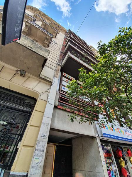 Foto Departamento en Venta en  Balvanera ,  Capital Federal  Lavalle al 2200