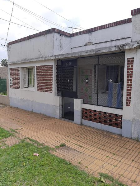 Foto Casa en Venta en  Lomas De Zamora,  Lomas De Zamora  Capello 1205