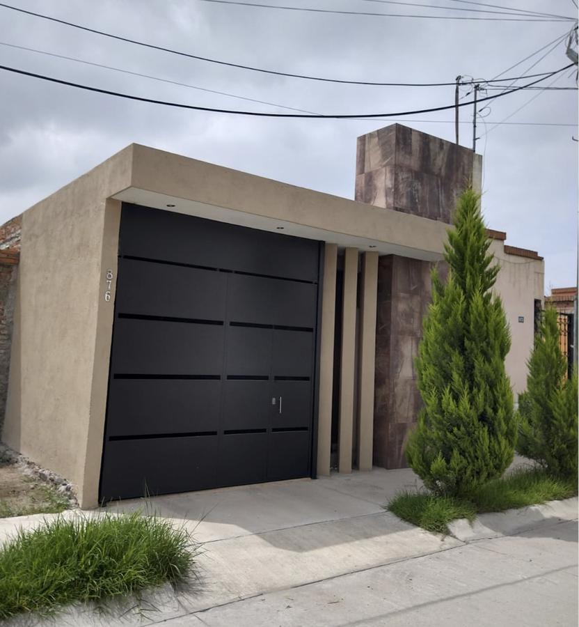 Foto Casa en Venta en  San Luis Potosí ,  San luis Potosí  CASA EN VENTA EN HACIENDAS DE JACARANDAS, SAN LUIS POTOSI