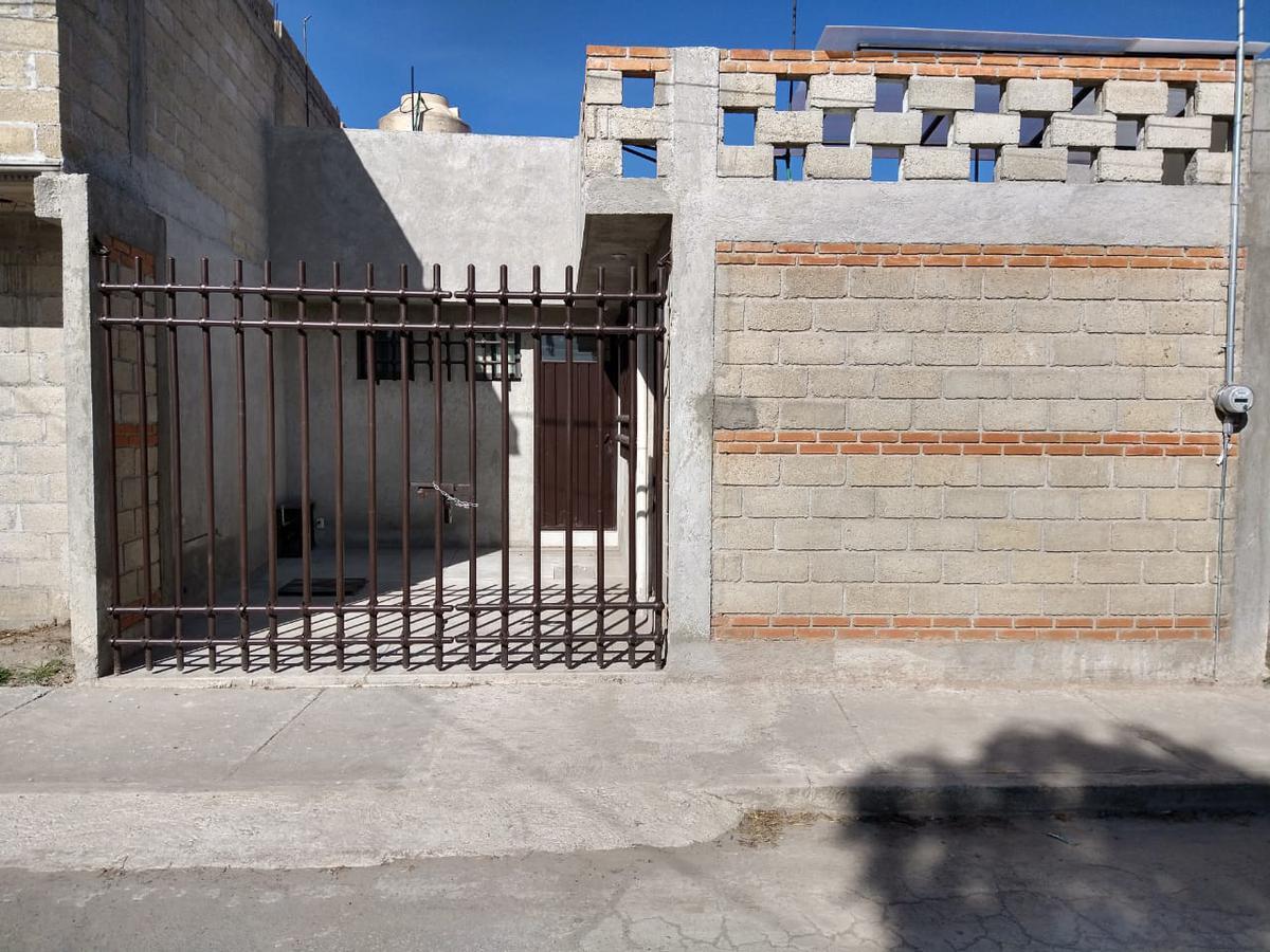 Foto Casa en Renta en  San José Guadalupe Otzacatipan,  Toluca  CASA EN RENTA ZONA PLAZA SANTIN EN TOLUCA
