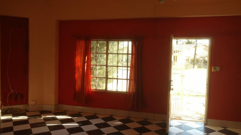 Foto PH en Alquiler en  Ituzaingó,  Ituzaingó  Defilippi al 1600