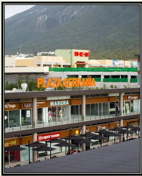 Foto Local en Renta en  Puerta de Hierro Cumbres,  Monterrey  Plaza Serrania