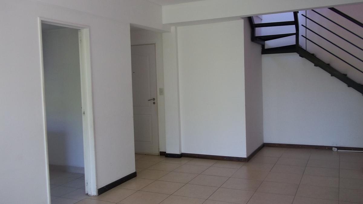Foto Departamento en Alquiler en  Tigre Residencial,  Tigre  25 de Mayo 2 J