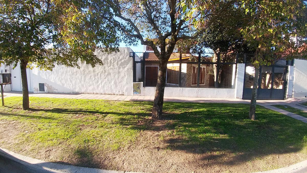 Foto Casa en Venta en  Santa Rosa,  Capital  Jose Luro al 300