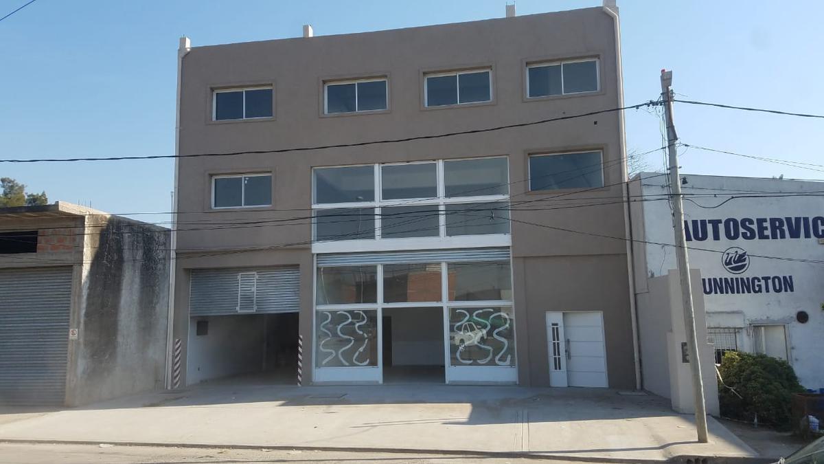Foto Local en Alquiler en  Pilar ,  G.B.A. Zona Norte  El Petrel - Pilar