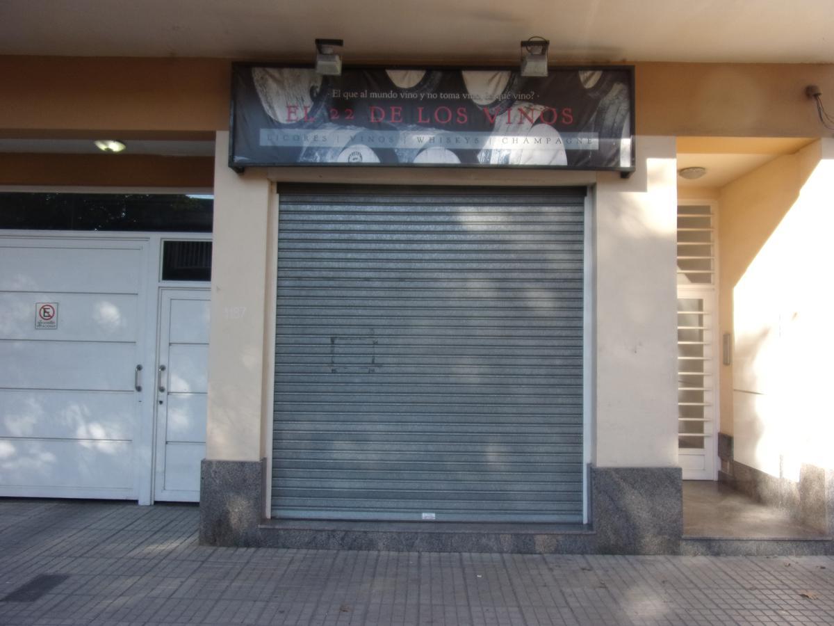 Foto Local en Alquiler en  Remedios de Escalada de San Martin,  Rosario  CARRIEGO al 1100