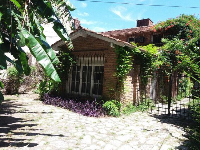 Foto Casa en Venta en  Adrogue,  Almirante Brown  CONSCRIPTO BERNARDI nº 657, entre Cordero y La Gaceta