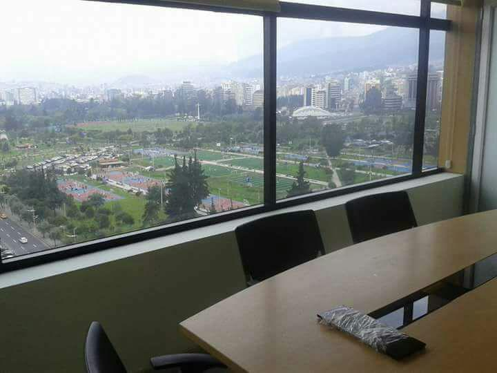 Foto Oficina en Alquiler en  La Carolina,  Quito  Av. Shyris y NNUU