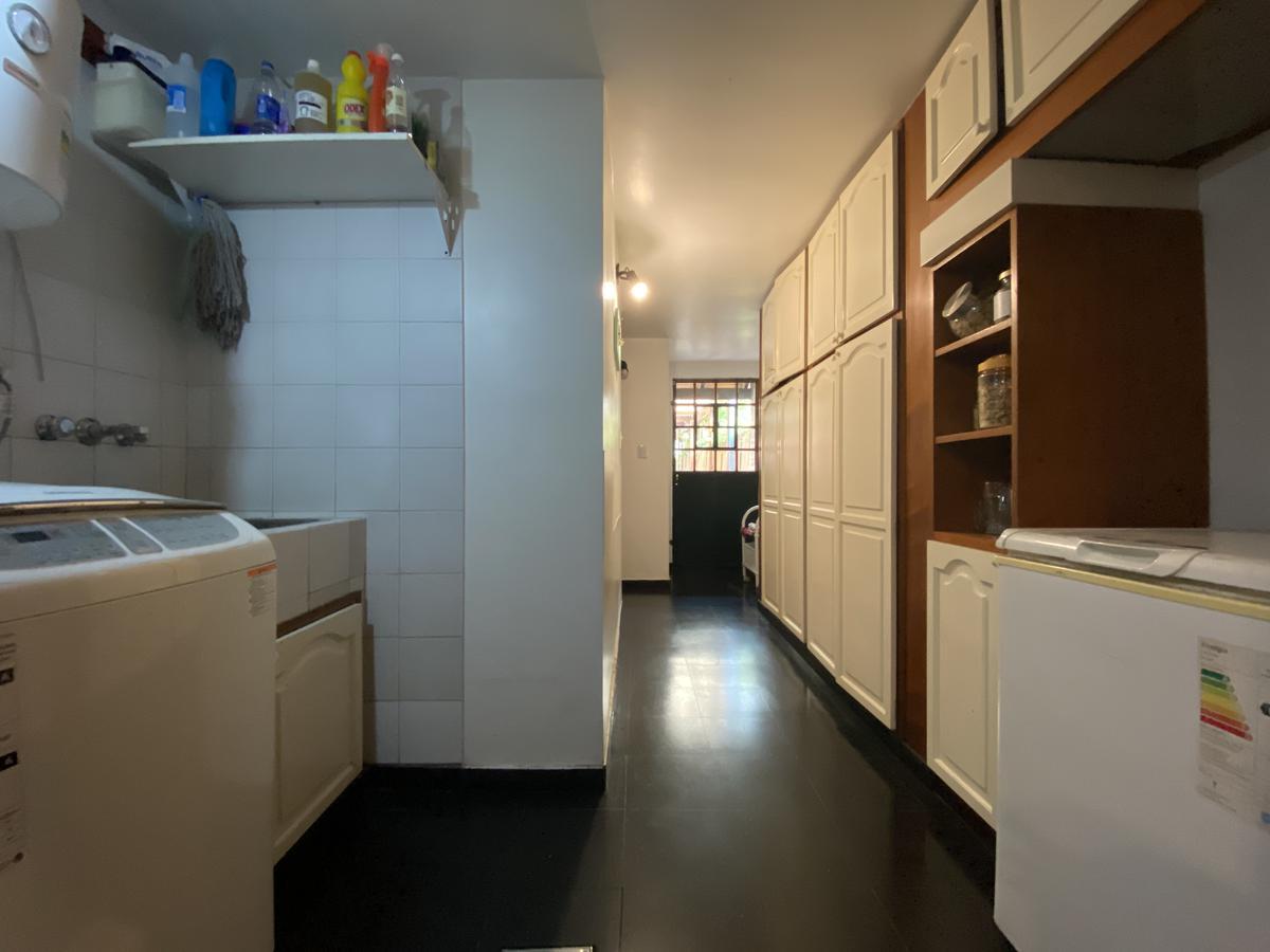 Casa de 5 dormitorios con pileta  - Fisherton