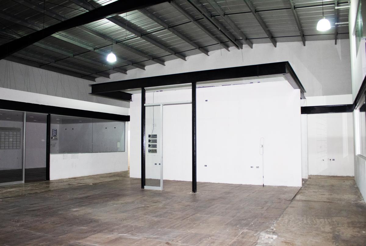 Foto Local en Renta en  Mérida ,  Yucatán  Local De 600 m2 Zona Norte Con Amplio Estacionamiento