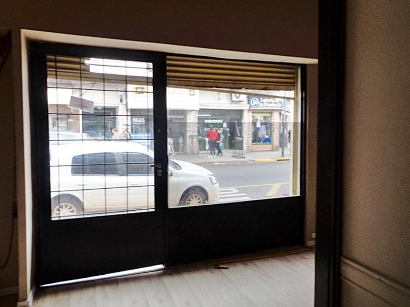Foto Local en Alquiler en  Munro,  Vicente Lopez  Vélez Sarsfield al 4900