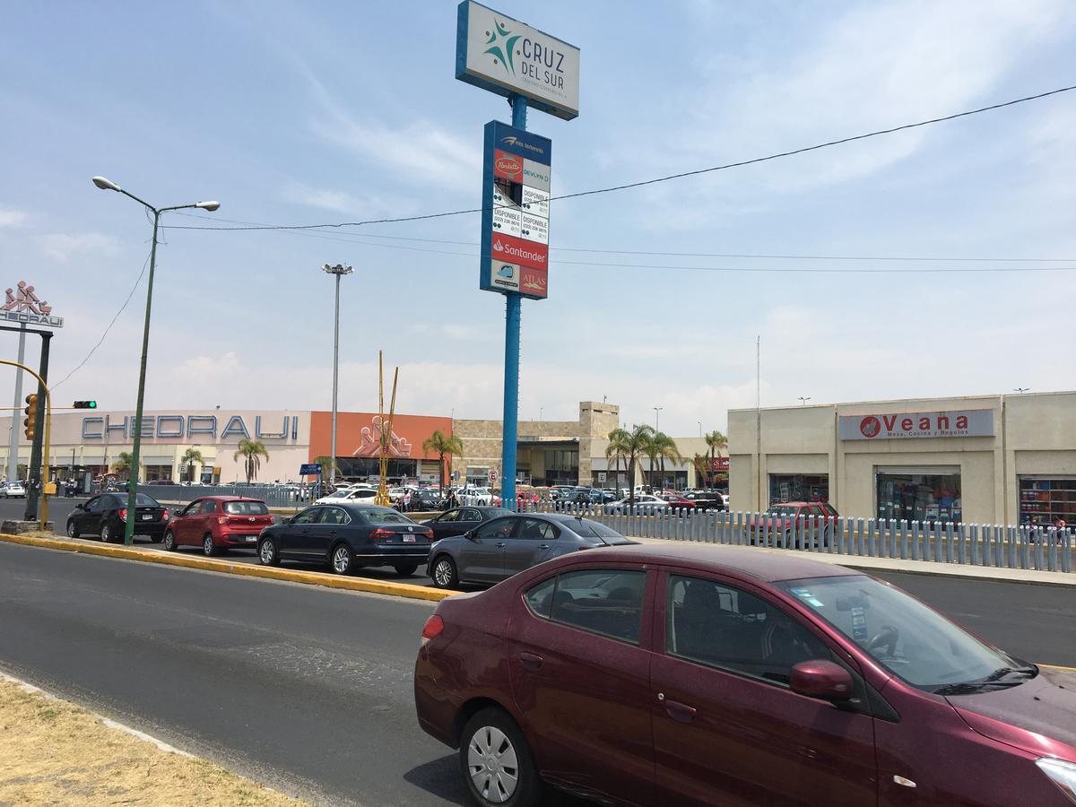 Foto Local en Renta en  Puebla ,  Puebla  Renta de local , Av. Forjadores frente al Centro Comercial Cruz Del Sur