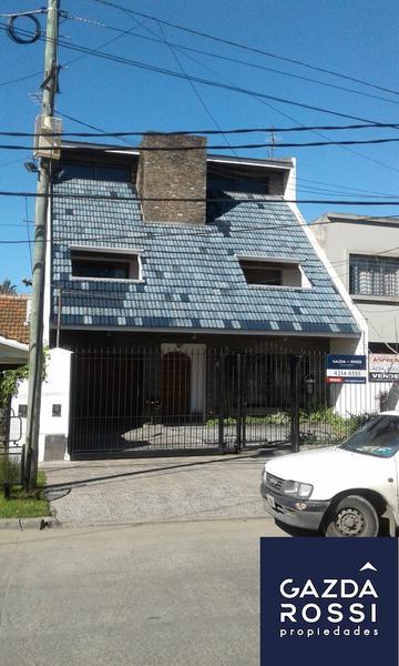 Foto Casa en Venta en  Adrogue,  Almirante Brown  GENERAL PAZ  170
