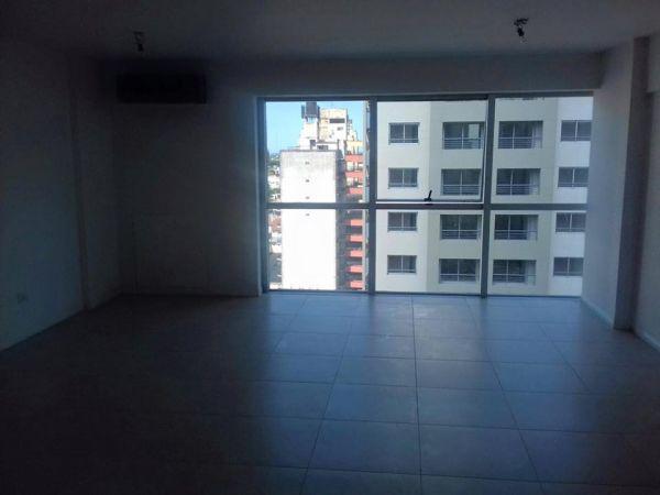 Foto Oficina en Venta en  Lomas de Zamora Oeste,  Lomas De Zamora  Av. Hipolito Yrigoyen 9.135 Pido 8°B