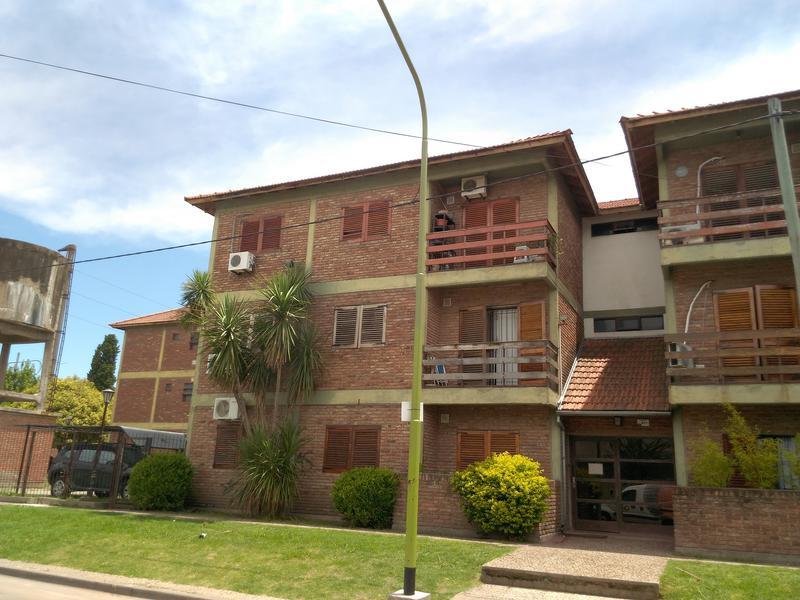 Foto Departamento en Venta en  Campana ,  G.B.A. Zona Norte  Saavedra al 900