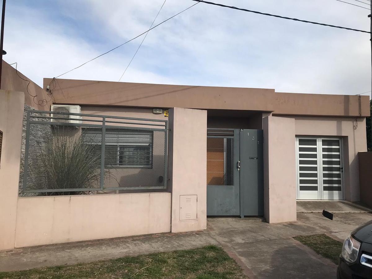 Foto Casa en Venta en  Junin,  Junin  Aristóbulo Del Valle 131