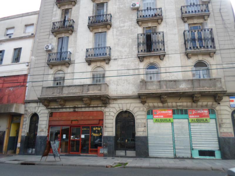 Foto Departamento en Alquiler en  Constitución ,  Capital Federal  Salta al 1500