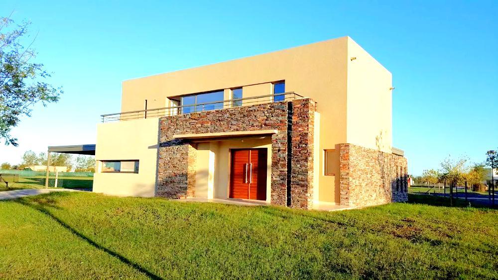 Foto Casa en Venta en  Countries/B.Cerrado (Escobar),  Escobar  Casa en venta en canton 3 dorms con buena vista CON RENTA