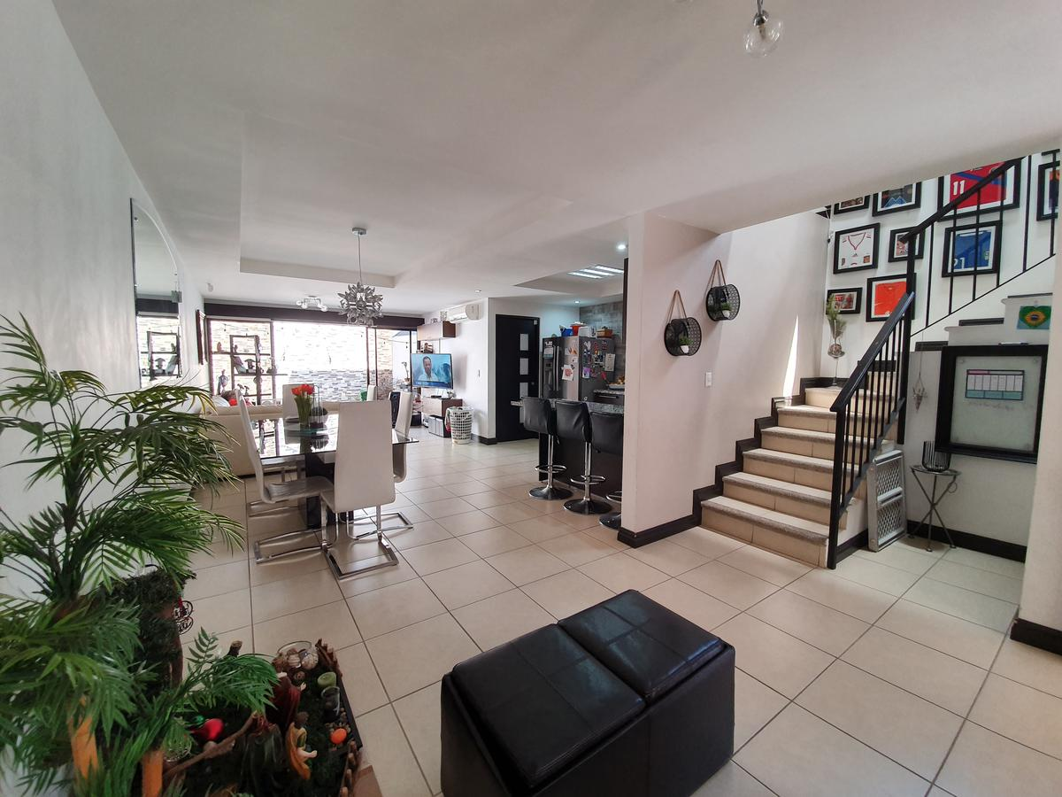 Foto Casa en condominio en Venta | Renta en  Pozos,  Santa Ana   Santa Ana / 231m2 de terreno / 4 estacionamientos