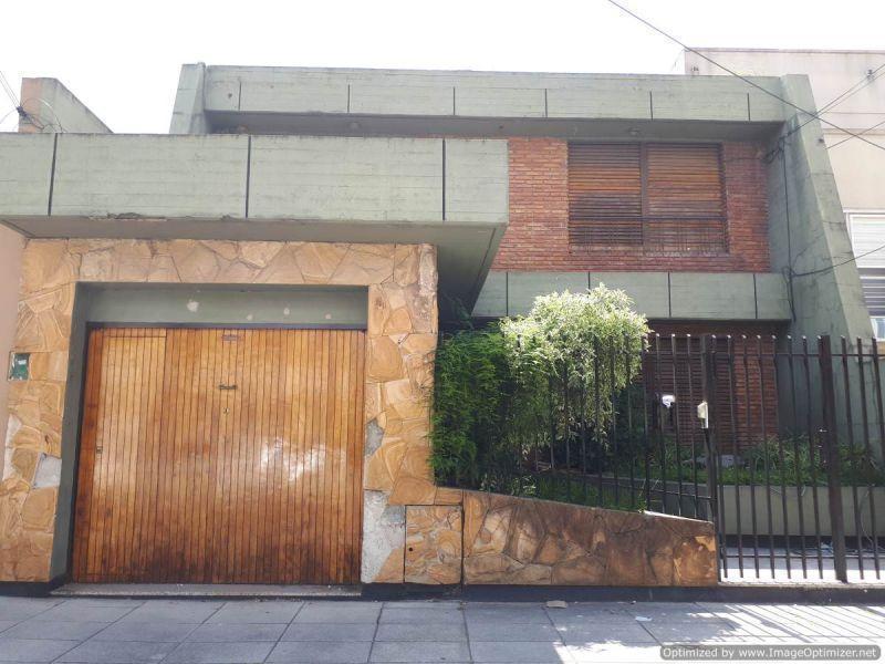 Foto Casa en Venta | Alquiler en  Ramos Mejia,  La Matanza  Alfredo Palacios 300