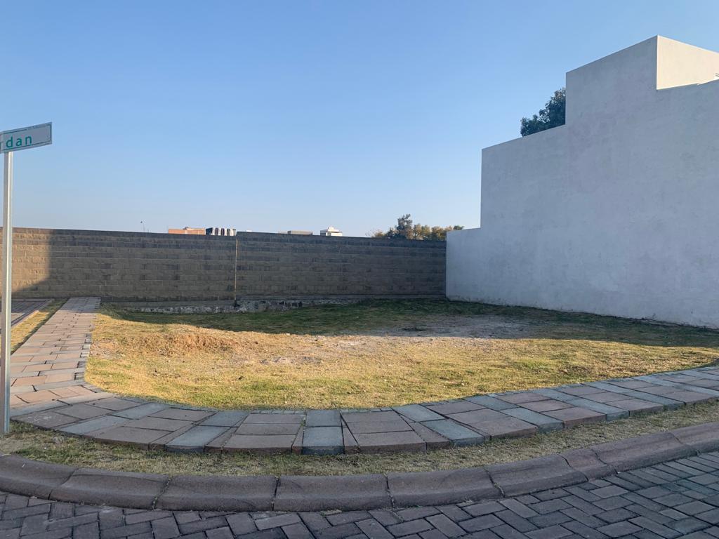 Foto Terreno en Venta en  San Pedro Cholula ,  Puebla   TERRENO EN VENTA  FRACCIONAMIENTO ARBORETO LOTES 255 Y 256