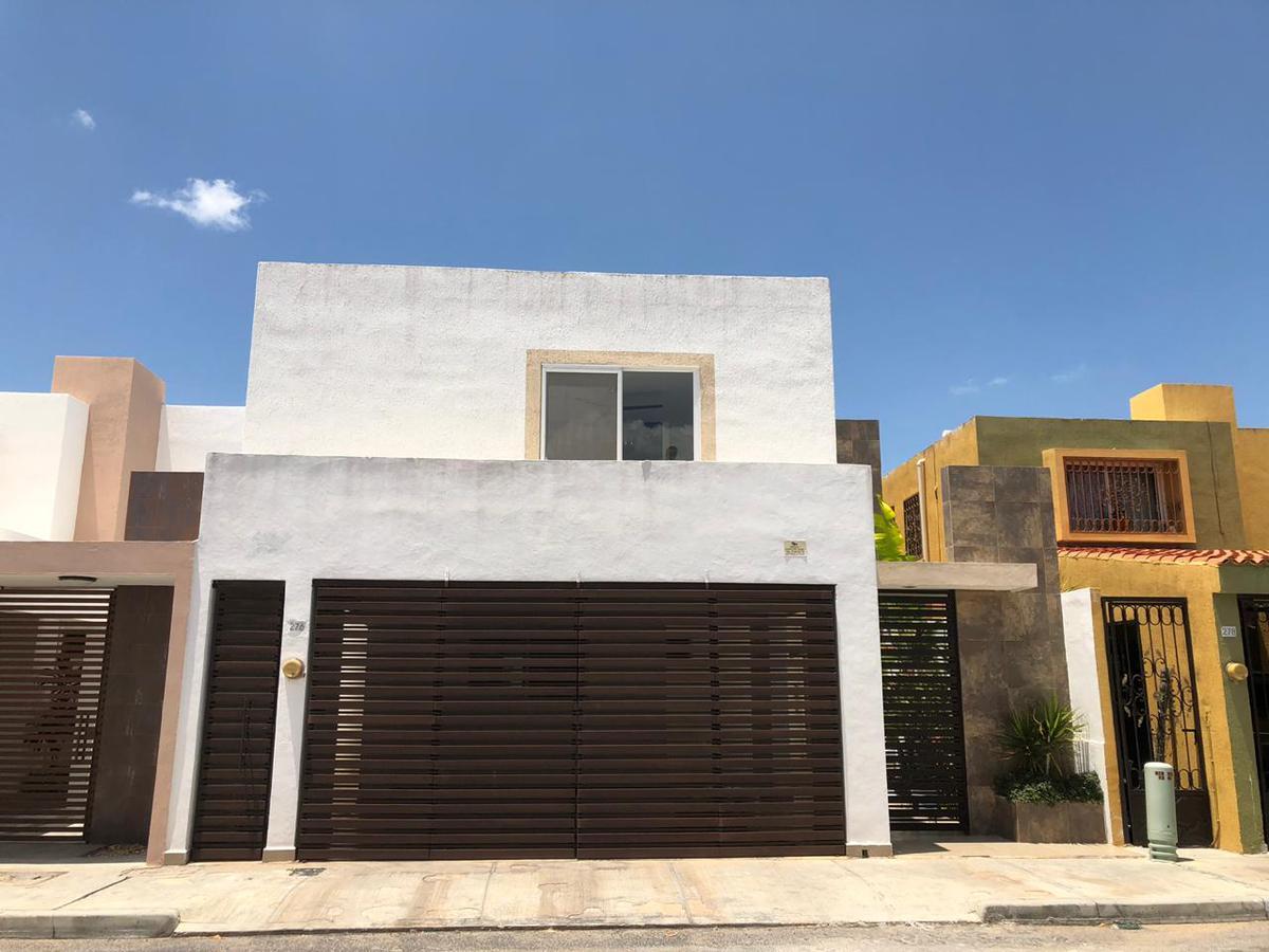 Foto Casa en Renta en  Fraccionamiento Altabrisa,  Mérida  Rento casa de 4 habitaciones en el Frac.  Altabrisa Misan al Norte de Mèrida