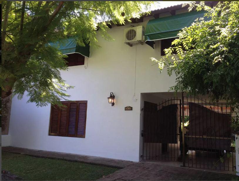 Foto Casa en Alquiler en  City Bell,  La Plata  461 y 12 b APTA BANCO
