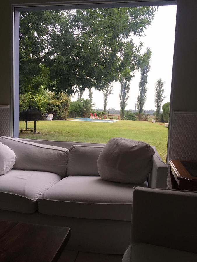 Foto Casa en Alquiler temporario en  Tigre,  Tigre  Alquiler Temporal. Casa 4 amb. con Piscina. Jardin y Parrilla