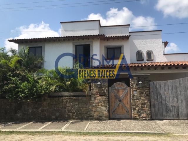 Foto Casa en Renta |  en  Jardines de Tuxpan,  Tuxpan  CASA AMUEBLADA EN RENTA ESTILO MEXICANO EN ZONA RESIDENCIAL