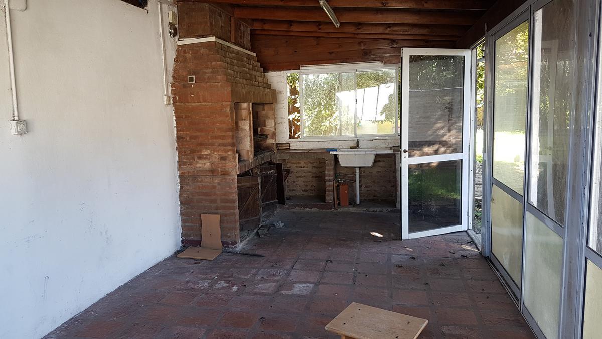 Foto Casa en Venta en  Don Torcuato,  Tigre  Buschiazzo al 1200