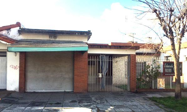 Foto Casa en Venta en  Castelar Norte,  Castelar  Gdor. Luis García al 2100