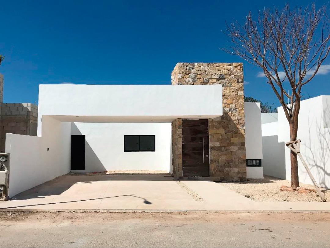 Foto Casa en Venta en  Pueblo Conkal,  Conkal  Casa Salúa en Privada Zelena (lote 42).