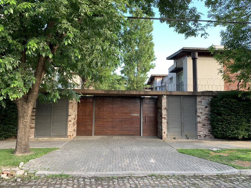 Foto Casa en Venta en  Temperley Oeste,  Temperley  Pringles al 300