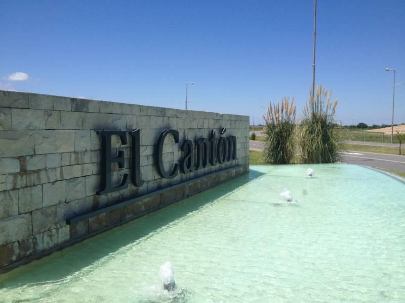 Foto Terreno en Venta en  El Canton,  Countries/B.Cerrado  Barrio Islas al 400