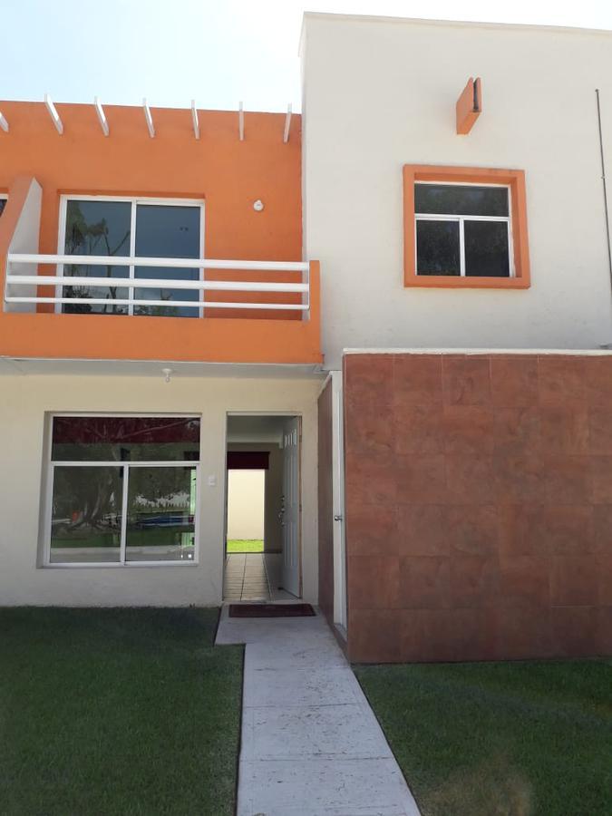 Foto Casa en Venta en  Fraccionamiento Conjunto Villareal,  Yautepec  Casa en venta de 3 recamaras en unos de los mejores Fraccionamientos Residencial Villa Real Vl