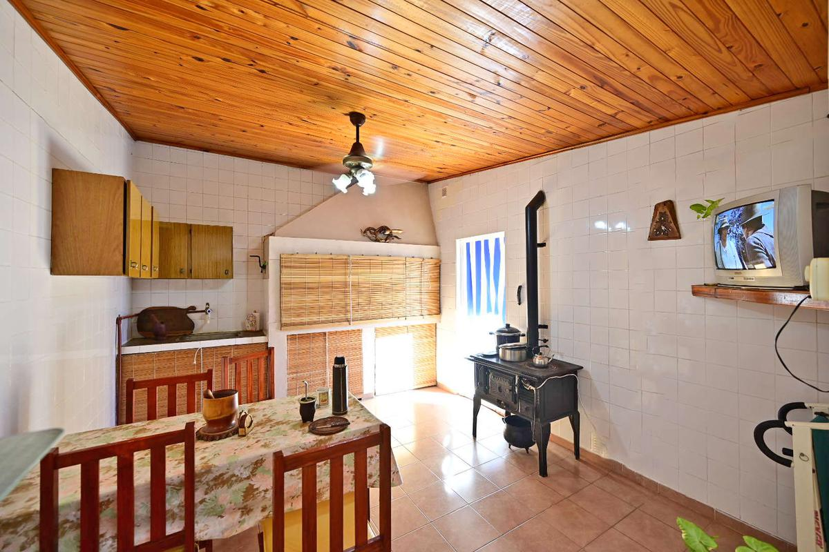 Foto Casa en Venta en  Gualeguaychu,  Gualeguaychu  LABAYEN al 1800