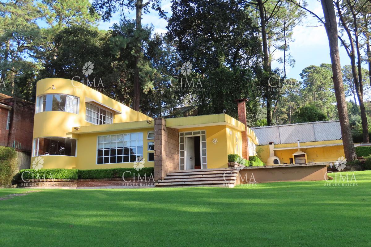 Foto Casa en Venta en  Fraccionamiento Real Monte Casino,  Huitzilac  VENTA CASA CON AMPLIO JARDIN MADURO - V166